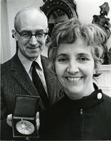 Betty Mauk received Alliance Française medal