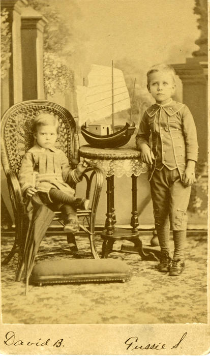 A portrait of young Gustavus Ohlinger and his brother, David.