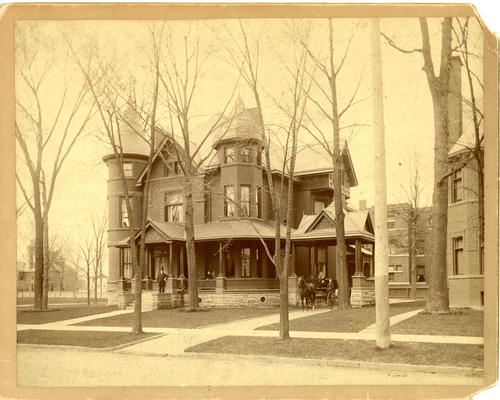 On the back of the photo: Colton Residence, Woodruff and Collingwood Aves. Now Standard Oil Station