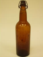 Beer bottle with wire lock cap