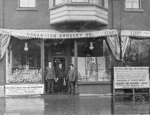 Toledo Scale Demonstration at Edgewater Grocery Co. in Chicago. The announcement on the right shows that the demo was on March 10, Tuesday.  The photo catalog number shows 25.  March 10 fell on Tuesday in 1925.