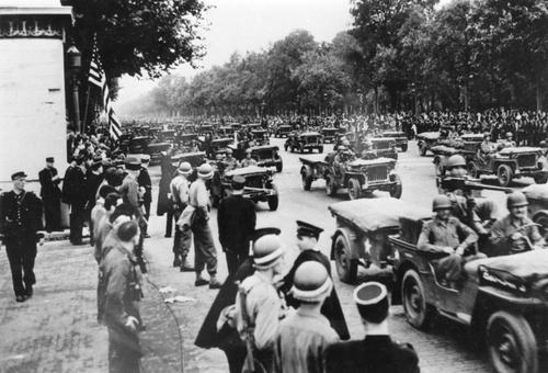 August 30, 1944: The Allies enter Paris in a fleet of Jeeps