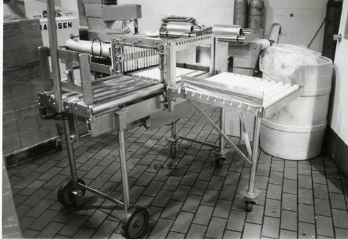 Picture of the Johnson cheese block cutter